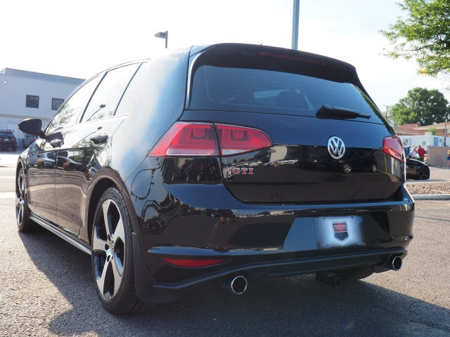 Pre-Owned 2015 Volkswagen Golf GTI