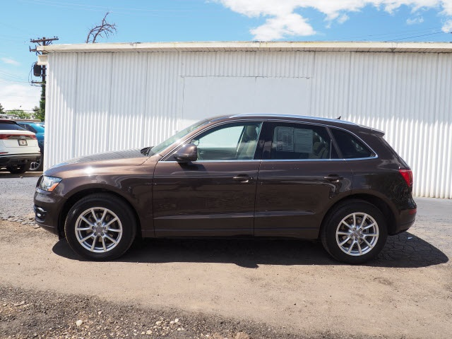 Pre-Owned 2011 Audi Q5 2.0T Premium Plus
