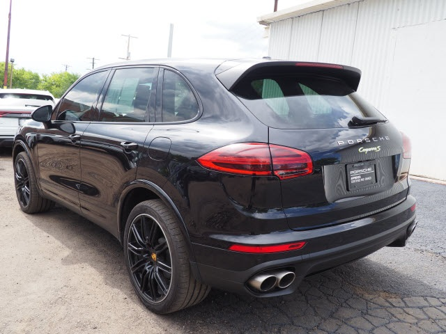 Certified Pre-Owned 2018 Porsche Cayenne S E-Hybrid